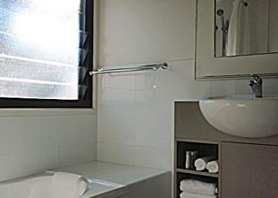 Unit 6 Shower / Bath